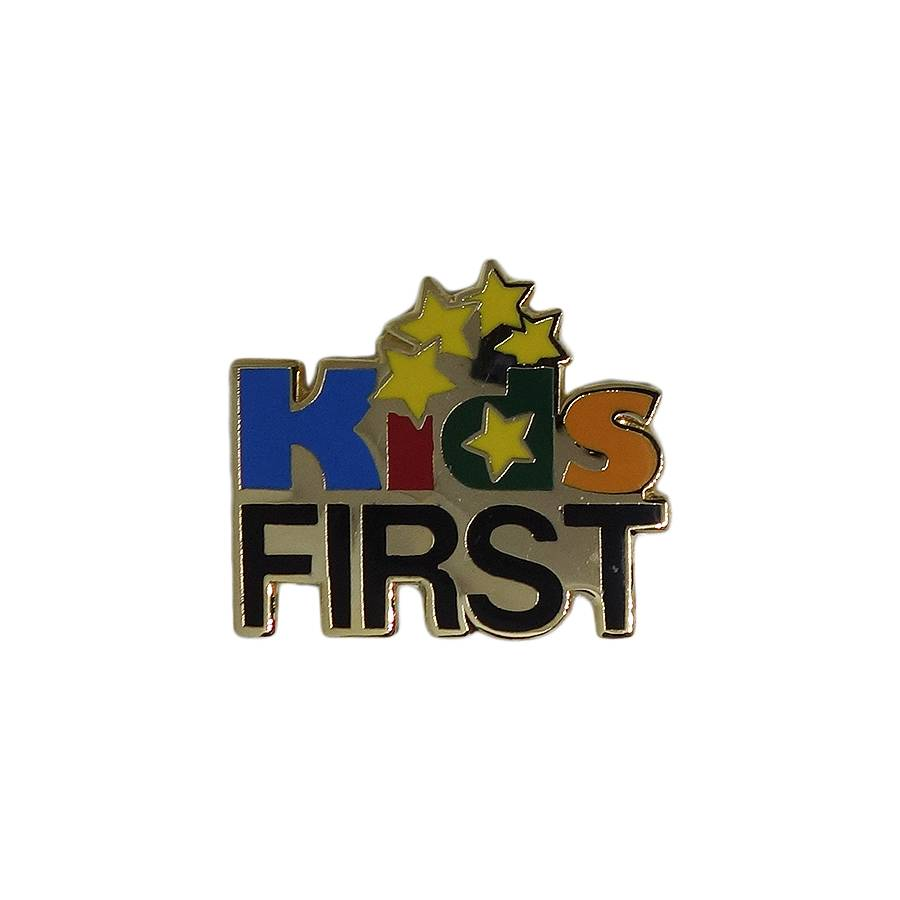 Kids FIRST ピンズ 留め具付き